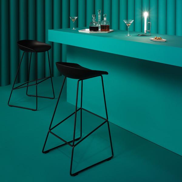 hay about a stool bar stool aas38 black finnish design shop. Black Bedroom Furniture Sets. Home Design Ideas
