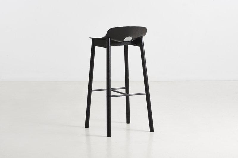 Woud sgabello da bar mono 75 cm nero finnish design shop