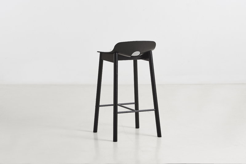 Woud sgabello da bar mono 65 cm nero finnish design shop