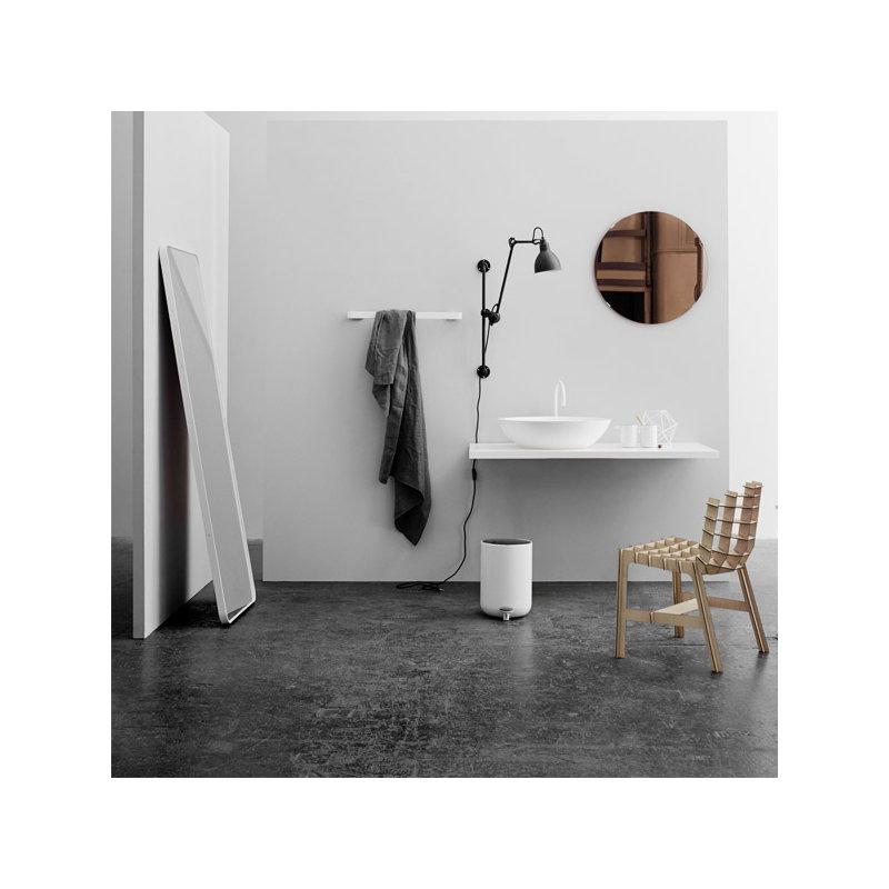 Menu specchio da terra norm nero finnish design shop - Specchio da terra ...
