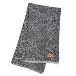 Maze blanket, grey