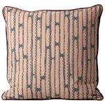 Aligned cushion, rose