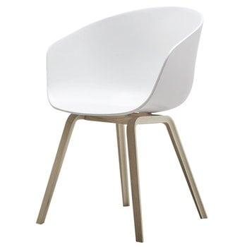 Hay About a Chair tuoli AAC22,  mattalakattu tammi - valkoinen