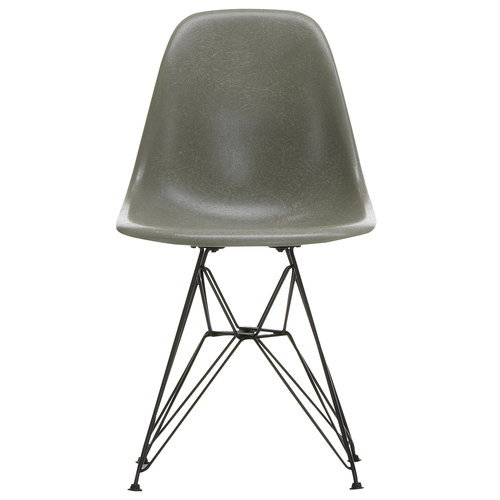 Vitra Eames DSR Fiberglass tuoli, raw umber - musta