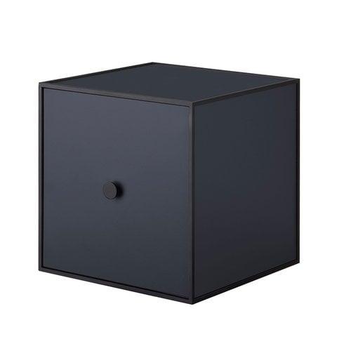 By Lassen Frame 28 laatikko ovella, tummansininen