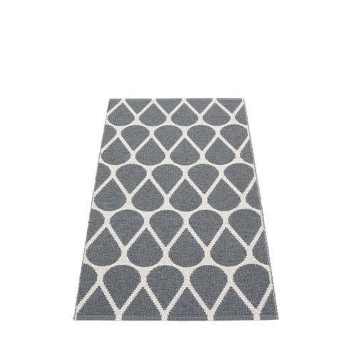 Pappelina Otis matto 70 x 140 cm, granit - fossil grey