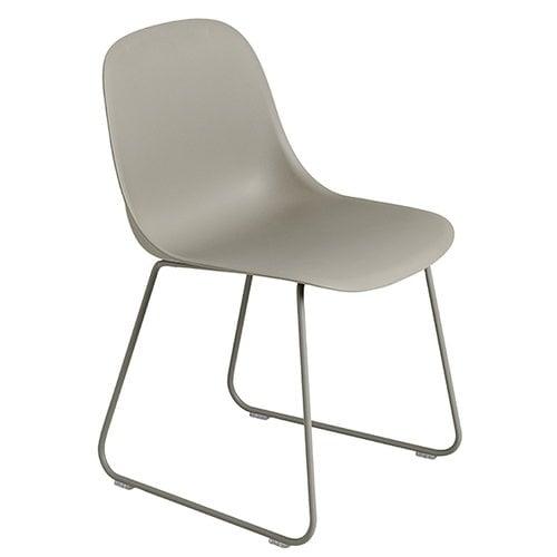 Muuto Fiber ruokapöydän tuoli, kelkkajalat, harmaa
