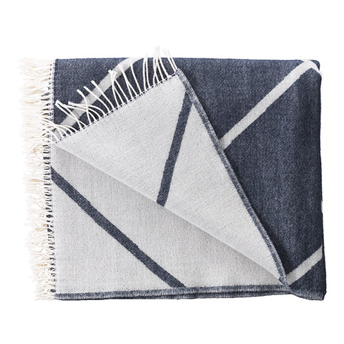By Lassen Mesch throw, navy
