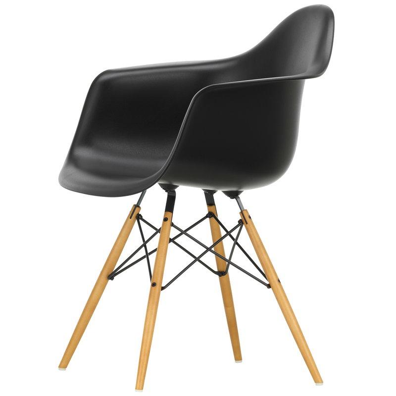 Vitra Eames DAW chair, deep black - maple