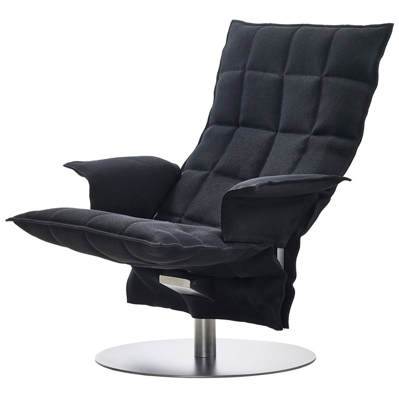 Woodnotes K chair with armrest, swivel base, black
