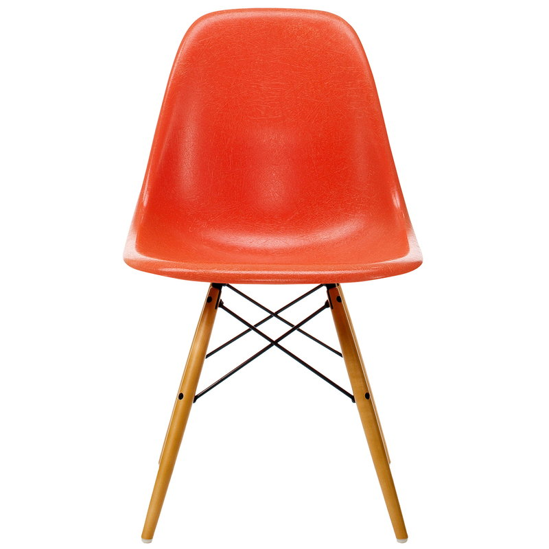Vitra Eames DSW Fiberglass Chair, red orange - maple