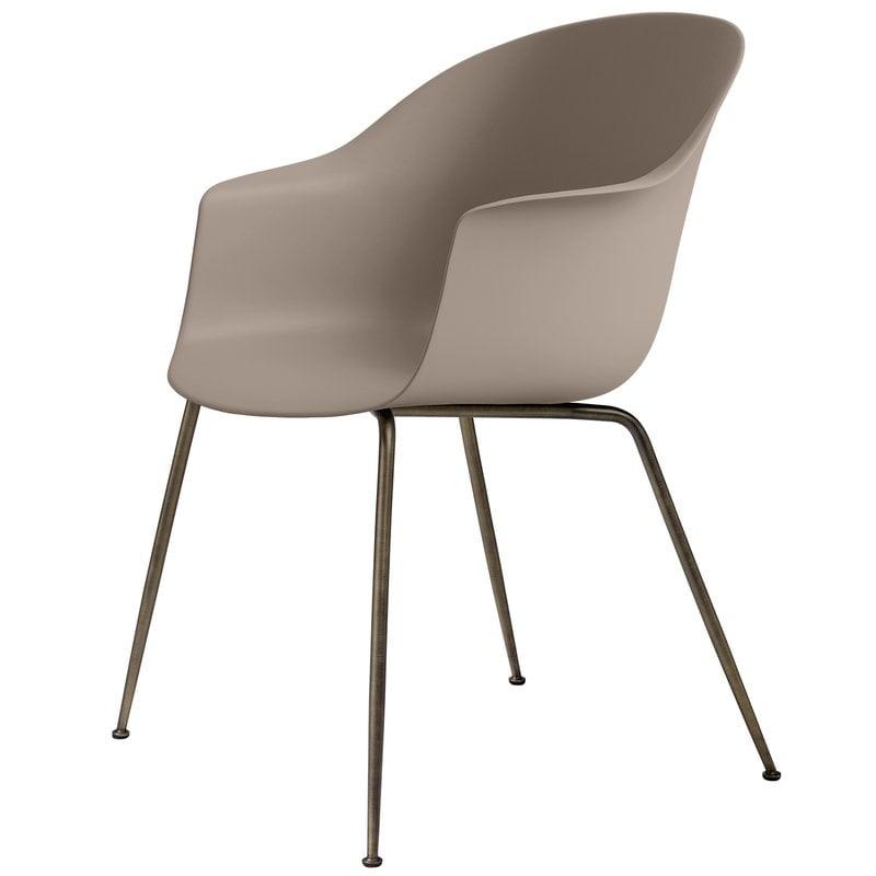 Gubi Bat chair, new beige - antique brass base