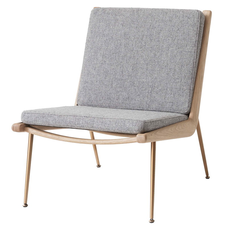 &Tradition Boomerang HM1 lounge chair, Hallingdal 130 - white oiled oak