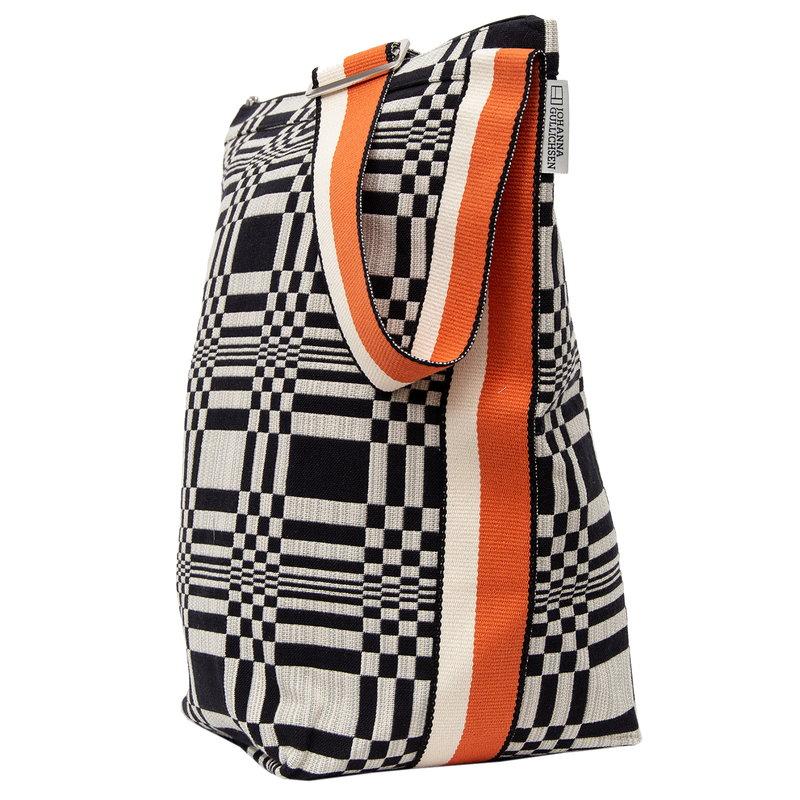 Johanna Gullichsen Doris Tetra shoulder bag, black