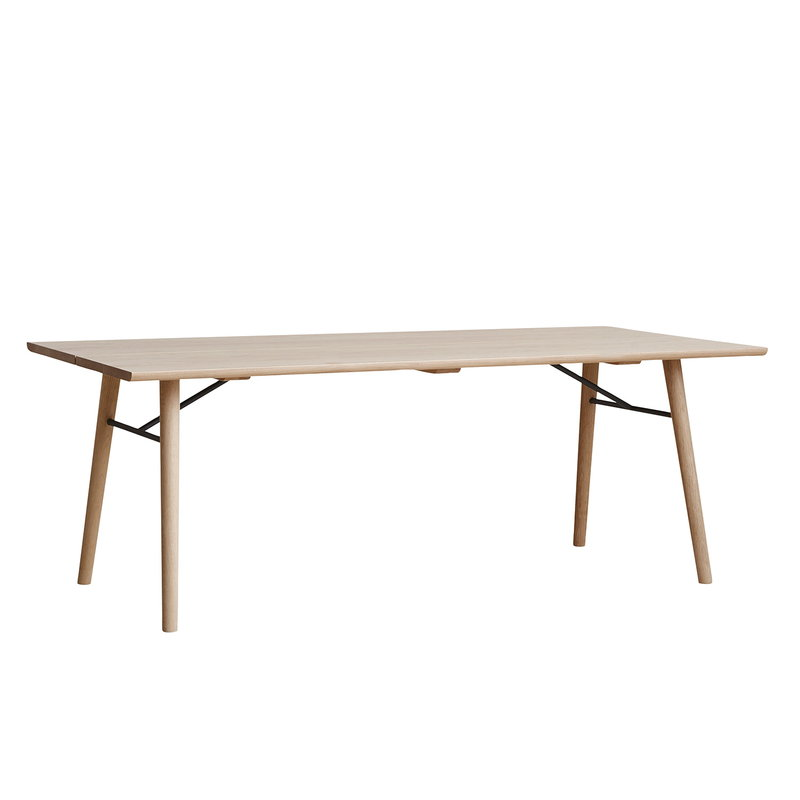 Woud Alley dining table, matt lacquered oak