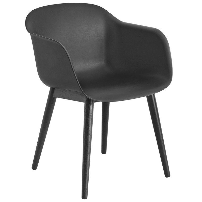 Muuto Fiber tuoli käsinojilla, puujalat, musta