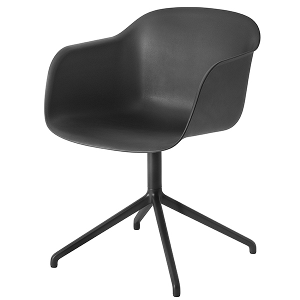 Muuto Fiber tuoli käsinojilla, pyörivä, musta