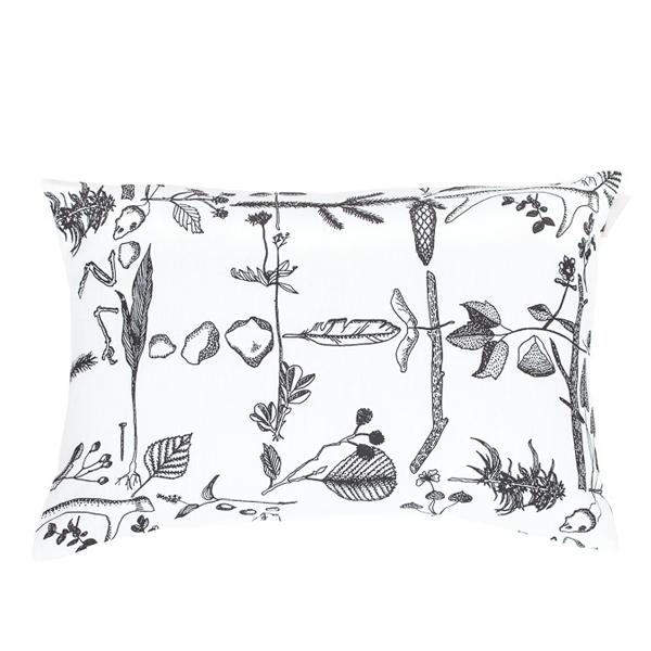 Saana ja Olli Myrskyn jälkeen cushion 40x60 cm, white