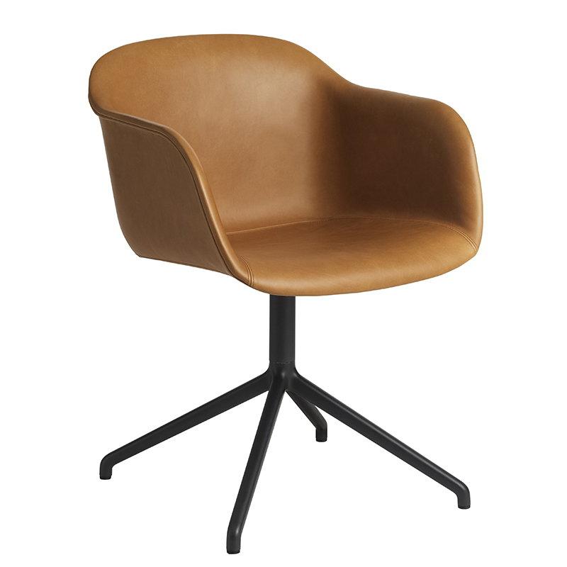 Muuto Fiber tuoli käsinojilla, pyörivä, konjakki nahka - musta