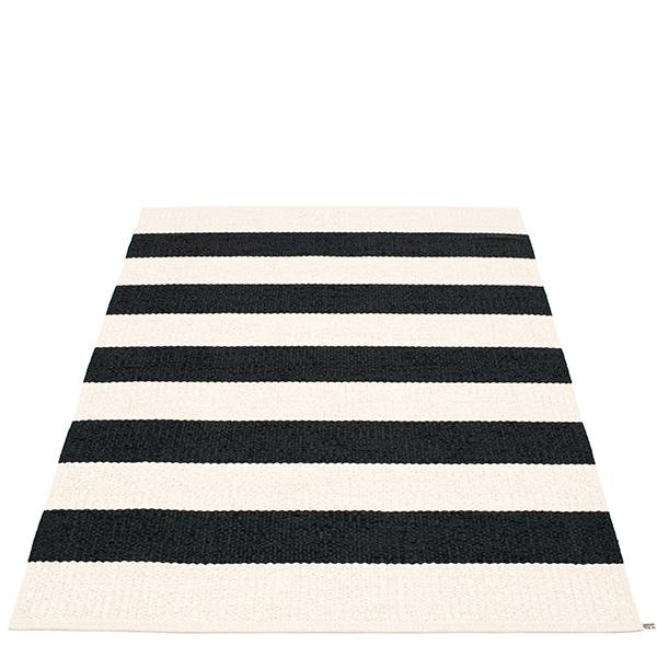 Pappelina Bob rug, 140 x 220 cm, black-vanilla