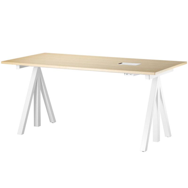 String Furniture String Works, tavolo dall'altezza regolabile, frassino