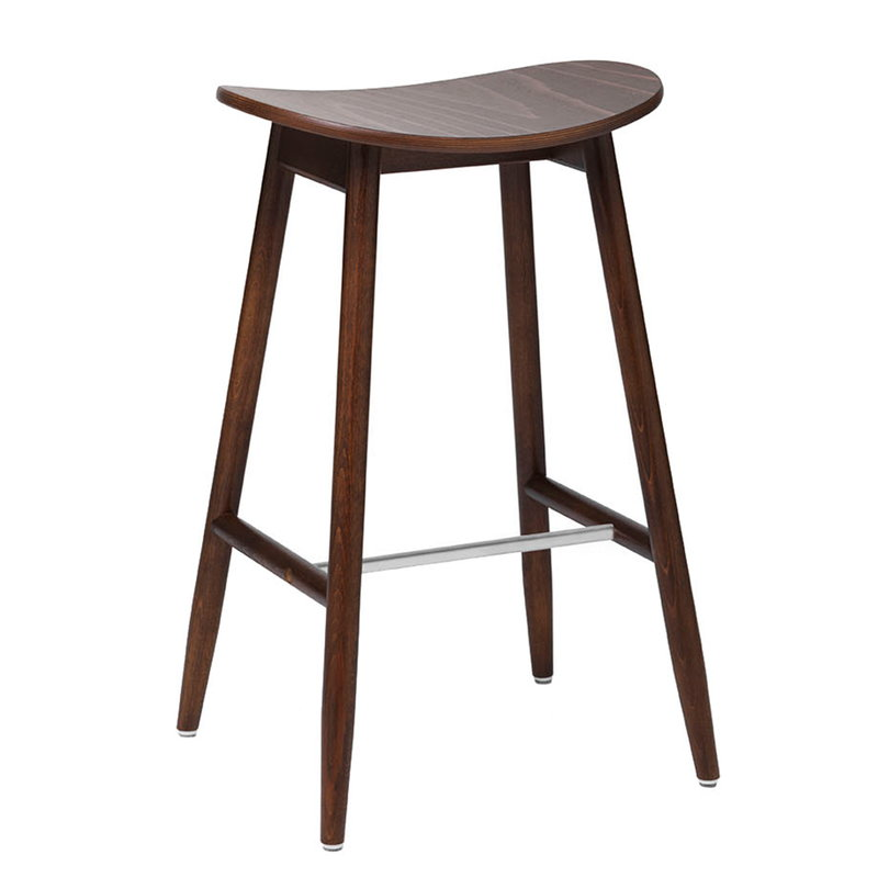 Massproductions Sgabello da bar Icha, 65 cm, faggio tinto noce