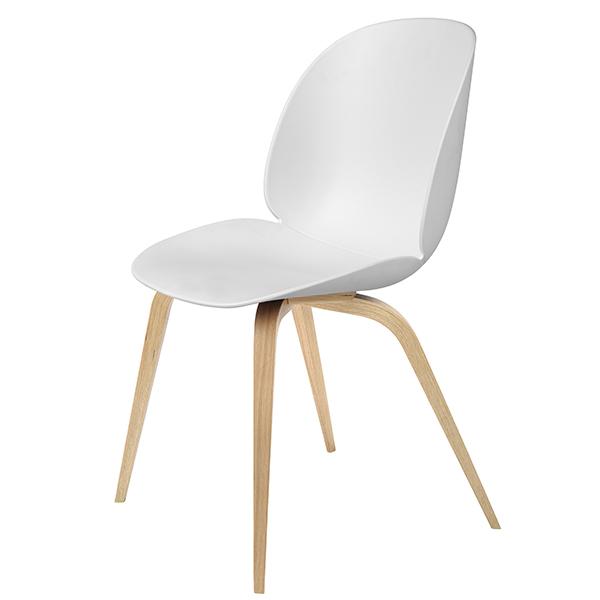 Gubi Beetle tuoli, tammi - valkoinen
