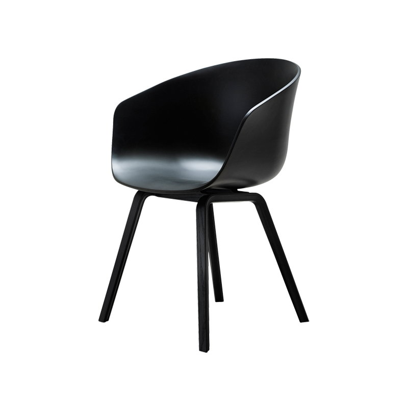 Hay sedia about a chair aac22 nera gambe nere finnish for Sedia design nera