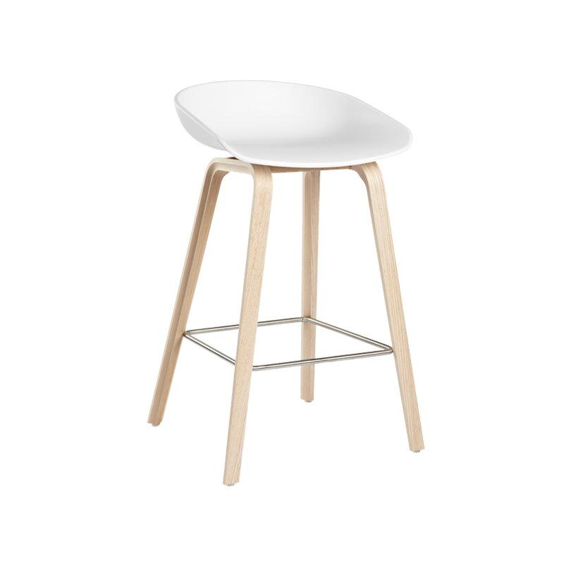 hay about a stool aas32 valkoinen saippuoitu tammi finnish design shop. Black Bedroom Furniture Sets. Home Design Ideas